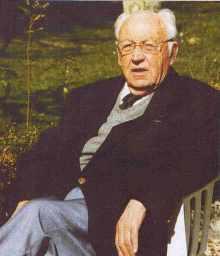 Le docteur GillesBuisson, historien du Mortainais
