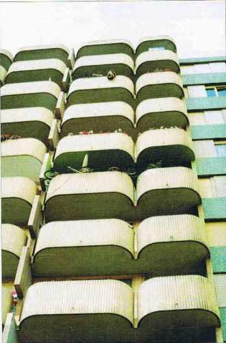 Quelques balcons d'immeubles à Montreuil
