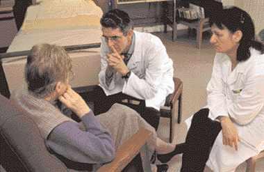 L'écoute du malade et l'intimité de la relation sont au coeur de l'activité de soins.