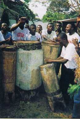 FESPAM 1999, un groupe traditionnel.