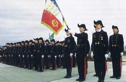 La passation du drapeau, à l'Ecole polytechnique