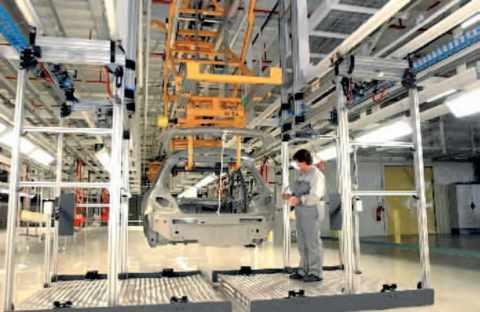 Chaîne de fabrication des Peugeot 307 en Chine