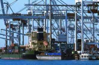 Port du Havre alliant maritime et fluvial.
