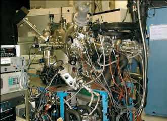 Bâti d'épitaxie par jets moléculaires