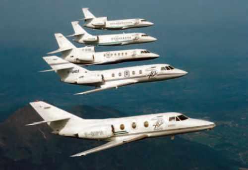 Vol en formation de la famille Falcon