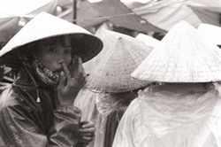Les femmes dans un marché.