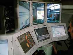 Poste d'équipage du démonstrateur français de pilotage sur écran.