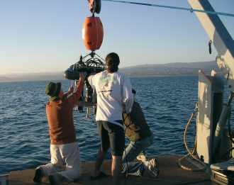 Lancement d'un véhicule d'exploration sous-marine