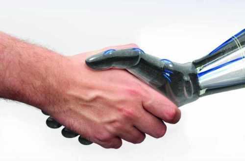 Poignée de main avec un robot