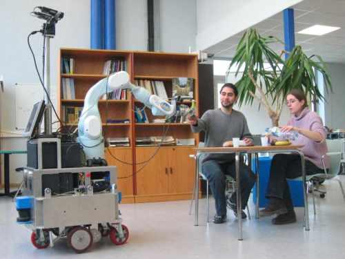 Collaboration avec un robot japonais