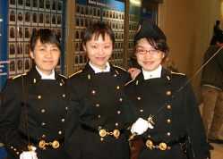 Remise des tangentes aux élèves chinoises à l'école polytechnique