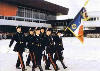 Présentation au drapeau de la promo 1996