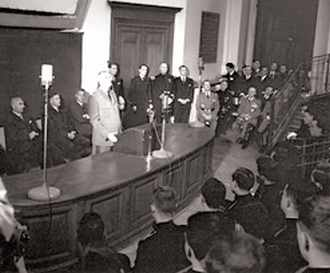 Le général de Gaulle s'adresse aux promotions 1957 et 1958 à l'amphithéâtre Arago le 9 juin 1959.