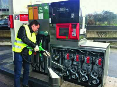 Contrôle d'une pompe à essence