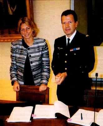 signature du contrat quadriennal X-CNRS en 2001