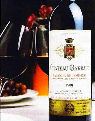 Une bouteille de Château Garraud à Lalande de Pomerol