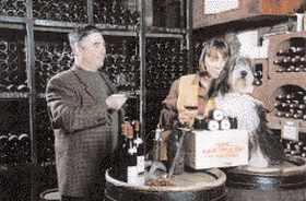 Armelle et Bernard Rion à Vosne-Romanée (avec le chien)