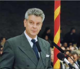 Monsieur Alain RICHARD, ministre de la Défense.