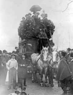 Le dernier omnibus hippomobile parisien en 1913