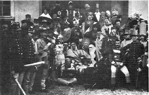 La fête du Point Gamma, en 1903, à l'école polytechnique à diverses époques.