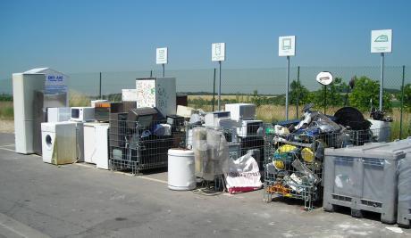 Une zone de déchets d'équipements électriques et électroniques.