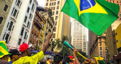 Des supporters brésiliens dans les rues de São Paulo