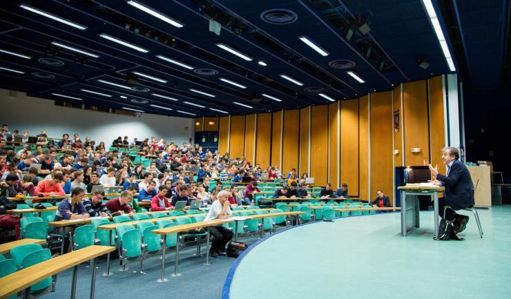 Cours d'Alain Finkielkraut à l'Ecole polytechnique