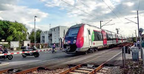 Franchissement d'un passage à niveau par un train