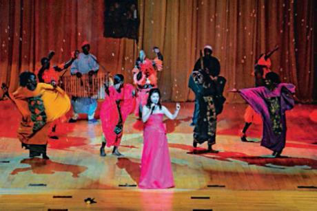 Le Ballet national du Sénégal.avec Ll'épouse de l'ambassadeur de Chine