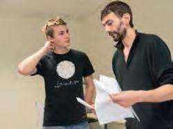 Félix échange avec Bruno Fouquet, enseignant.