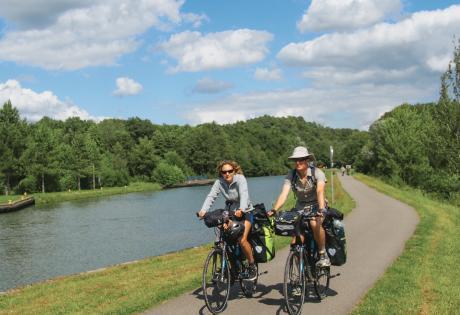Le long du canal de la Marne au Rhin,