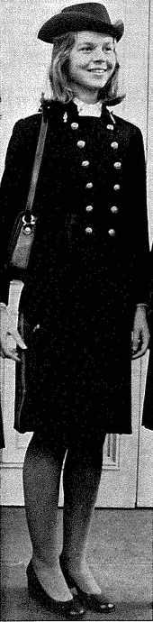 Le Grand Uniforme des femmes à polytechnique en 1972