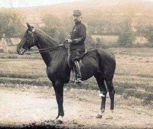 Eugène MAGNAN (promo 1876) à cheval