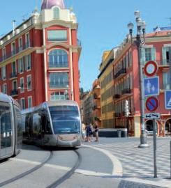 Passage du tramway à Nice, financé par l'AFITF