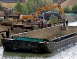 Transport de granulats par voie fluviale financé par l'AFITF