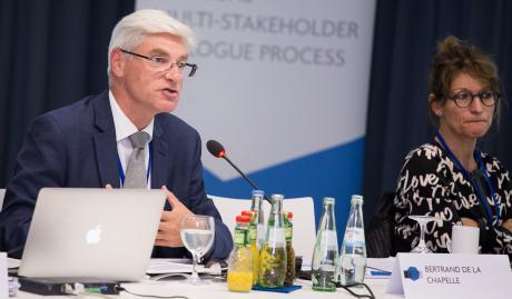 Bertrand de La Chapelle préside la réunion annuelle du projet « Internet & Jurisdiction » à Berlin