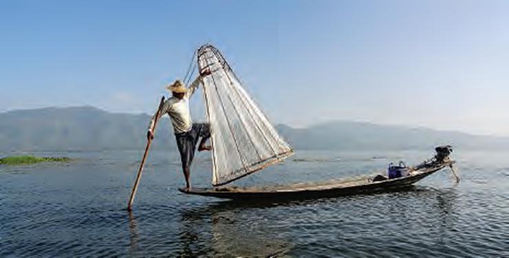 Pêcheurs du lac Inle en Birmanie