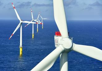 Éoliennes en mer Adwen, de puissance unitaire 5 MW.