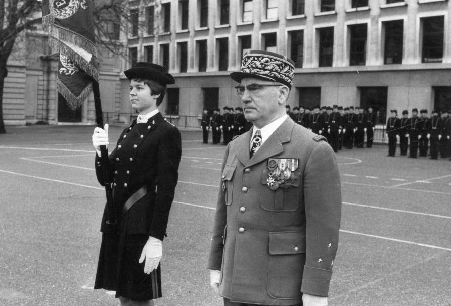 Le général BRIQUET commandant l'École polytechnique