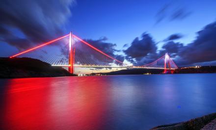 Le nouveau pont sur le Bosphore