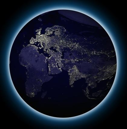 La planète éclairée à l'électricité vue du ciel
