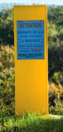 Borne d'avertissement d'une conduite de gaz