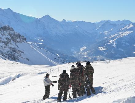 Chasseurs alpins en montagne