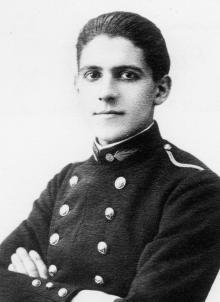 Honoré d'Estienne d'Orves (1921) est l'un des polytechniciens Résistants les plus connus.