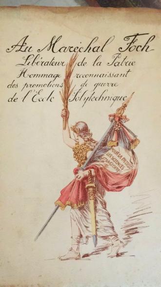 Couverture de l'ouvrage du photographe-portraitiste Paul Darby en l'honneur du maréchal Foch.