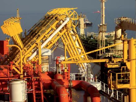 Bras de chargement dans l'industrie pétrolière