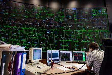 Dispatcheur dans un centre de conduite du réseau électrique