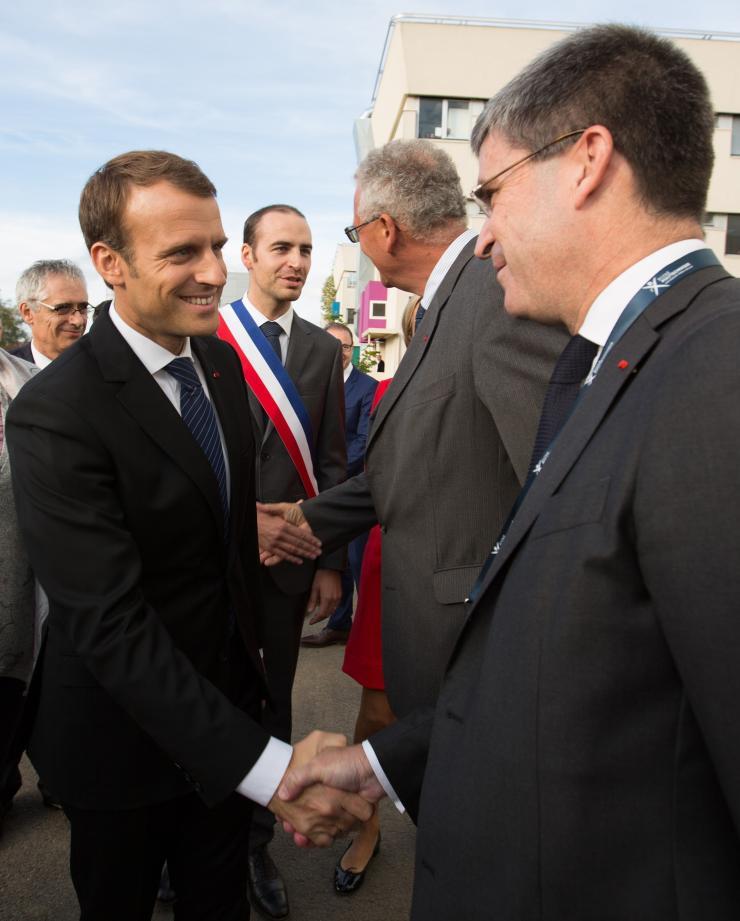 Bruno Angles, président de l'AX avec Emmanuel Macron