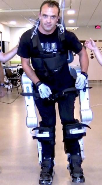 Olivier sur un exosquelette