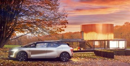 Symbioz concept, le futur du véhicule électrique, autonome et connecté.